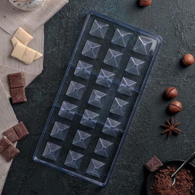 Форма для шоколада «Пирамида»