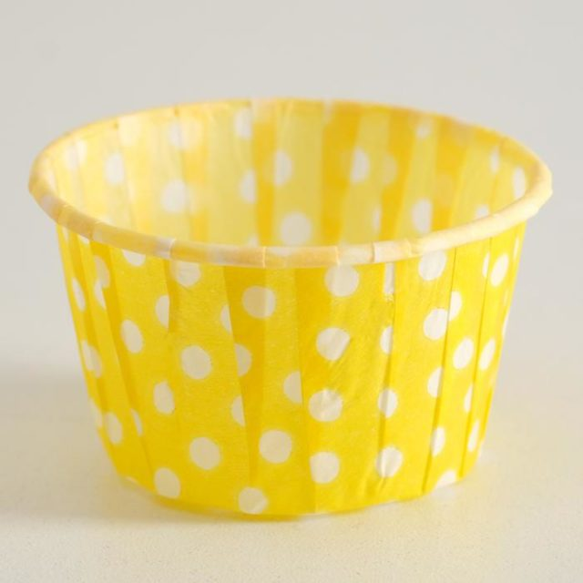 Капсулы для капкейков и маффинов - жёлтые белый горох