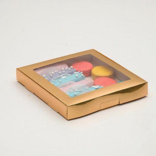 Коробка для десертов 21×21×3 см золотая