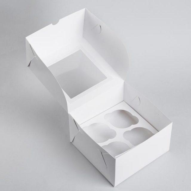 Коробка на 4 капкейка с окном - белая