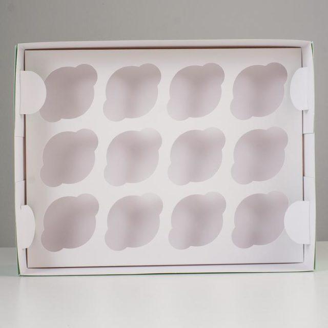 Коробка на 12 капкейков с окном - голубая