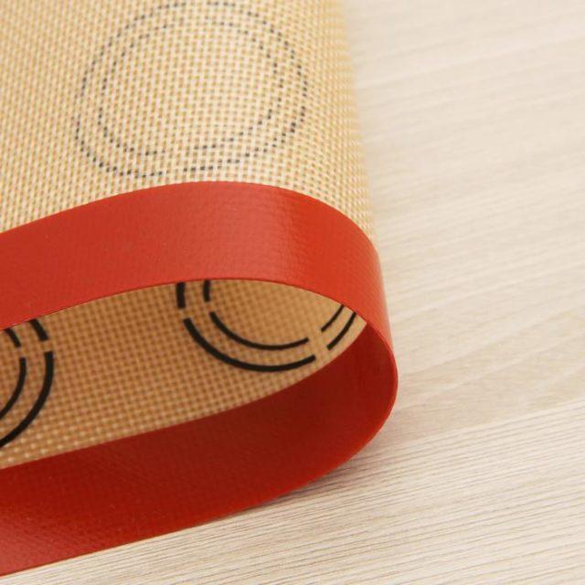 Коврик армированный для макаронс 42×29,5 см